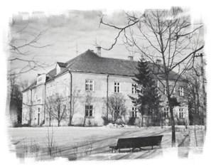 Budynek Ludowej Szkoły Rolniczej w Okszowie